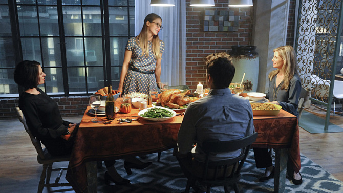"""Livewire"" -- Kara's (Melissa Benoist, center standing) Thanksgiving may be ruined when she suspects her foster mother, Dr. Danvers (Helen Slater, right), who is coming to town, disapproves of her new role as a superhero, on SUPERGIRL, Monday, Nov. 16 (8:00-9:00 PM, ET/PT) on the CBS Television Network. Also pictured: Chyler Leigh (left) and Jeremy Jordan (center seated) Photo: Darren Michaels/Warner Bros. Entertainment Inc. © 2015 WBEI. All rights reserved."