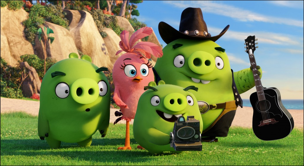 Ross (Tony Hale), Stella (Kate McKinnon), Photog (Tituss Burgess) and Earl (Blake Shelton) in Columbia Pictures and Rovio Animation's THE ANGRY BIRDS.