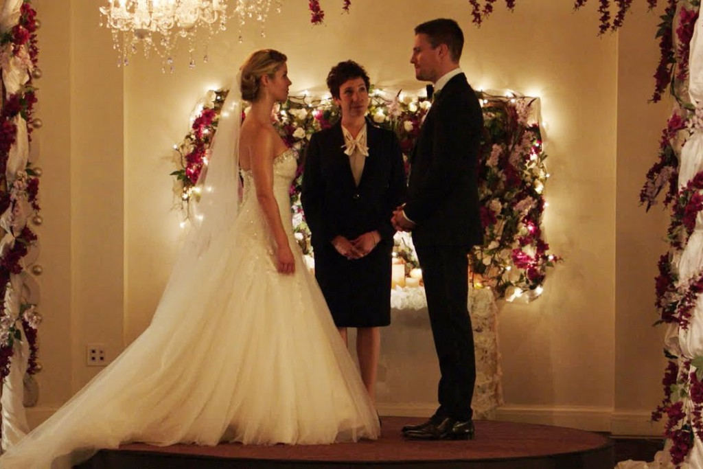 arrow fake wedding
