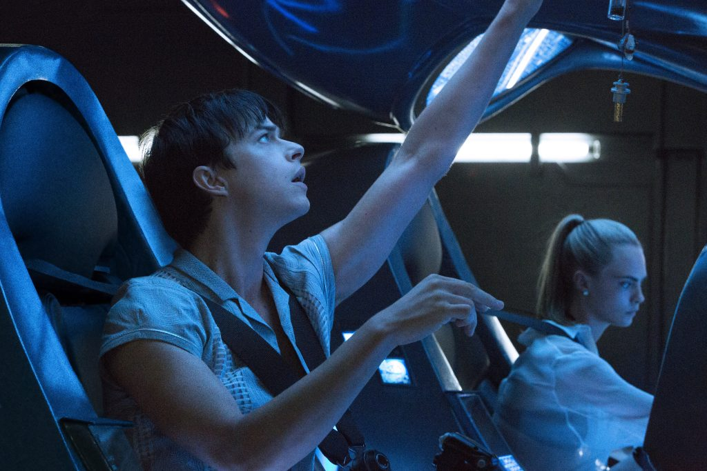 Dane DeHaan and Cara Delevingne star in Luc Besson's VALERIAN AND THE CITY OF A THOUSAND PLANETS. Credit:  Domitille Girard Copyright:  © 2016 VALERIAN SAS Ð TF1 FILMS PRODUCTION.