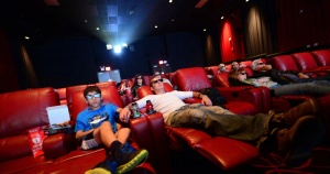 Movie theaters with recliners