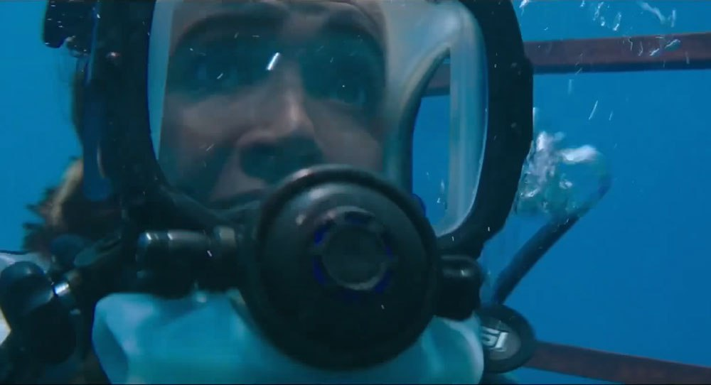 Review 39 47 Meters Down 39 Has An Unexpected Bite