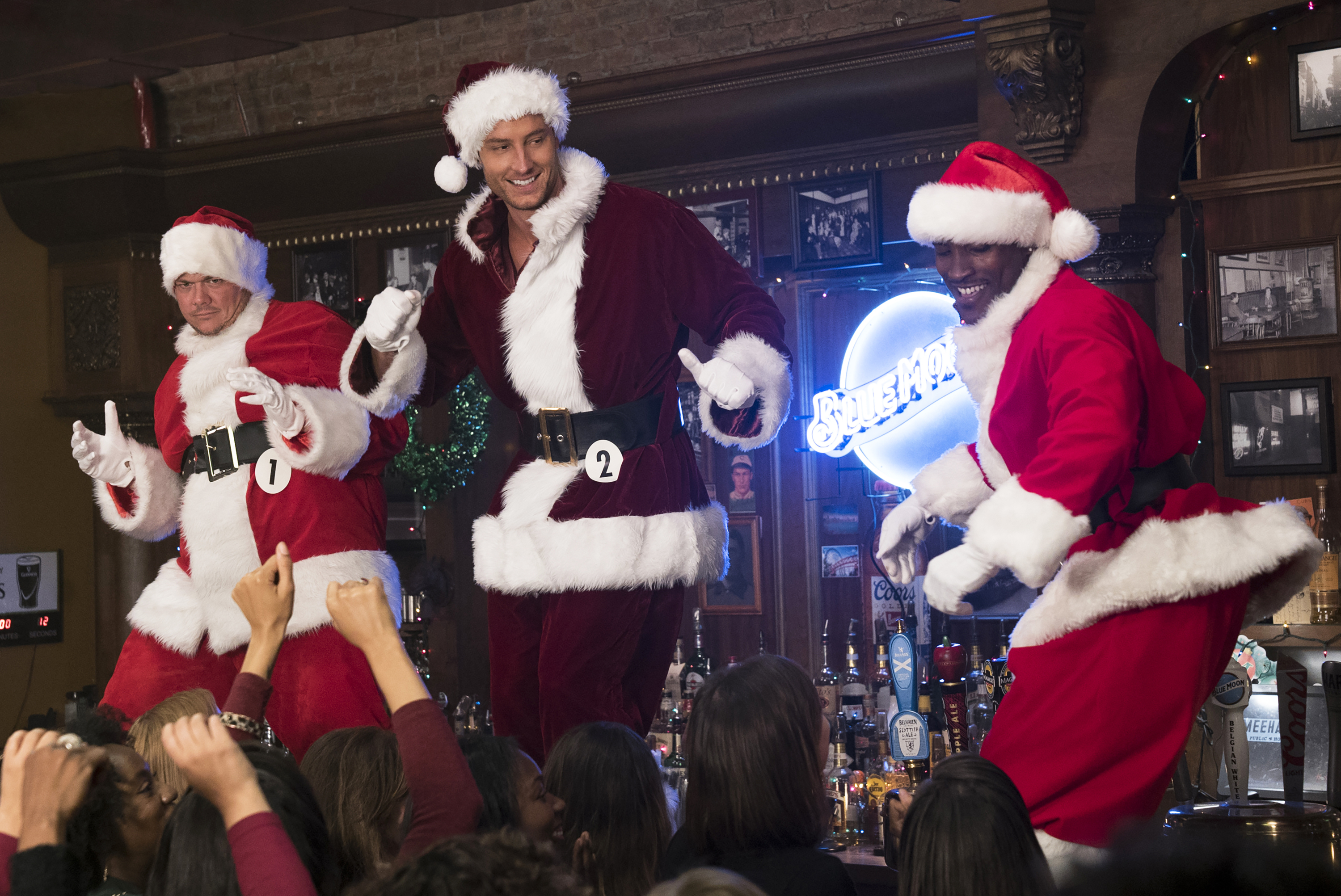 Watch Bad Moms Christmas.A Bad Moms Christmas Review The Ultimate Holiday Girls