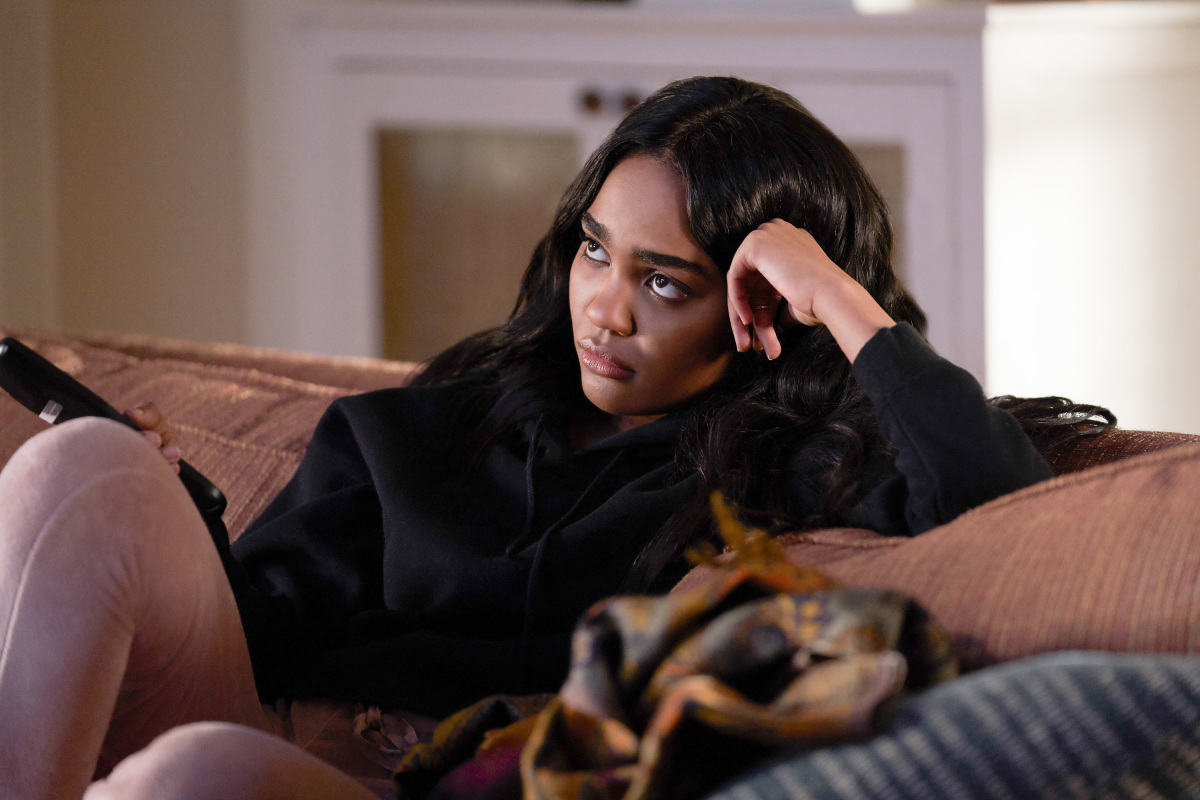 Franchise Fred Interview Black Lightning S China Anne Mcclain On Getting Super Powers Activism And High School We Live Entertainment