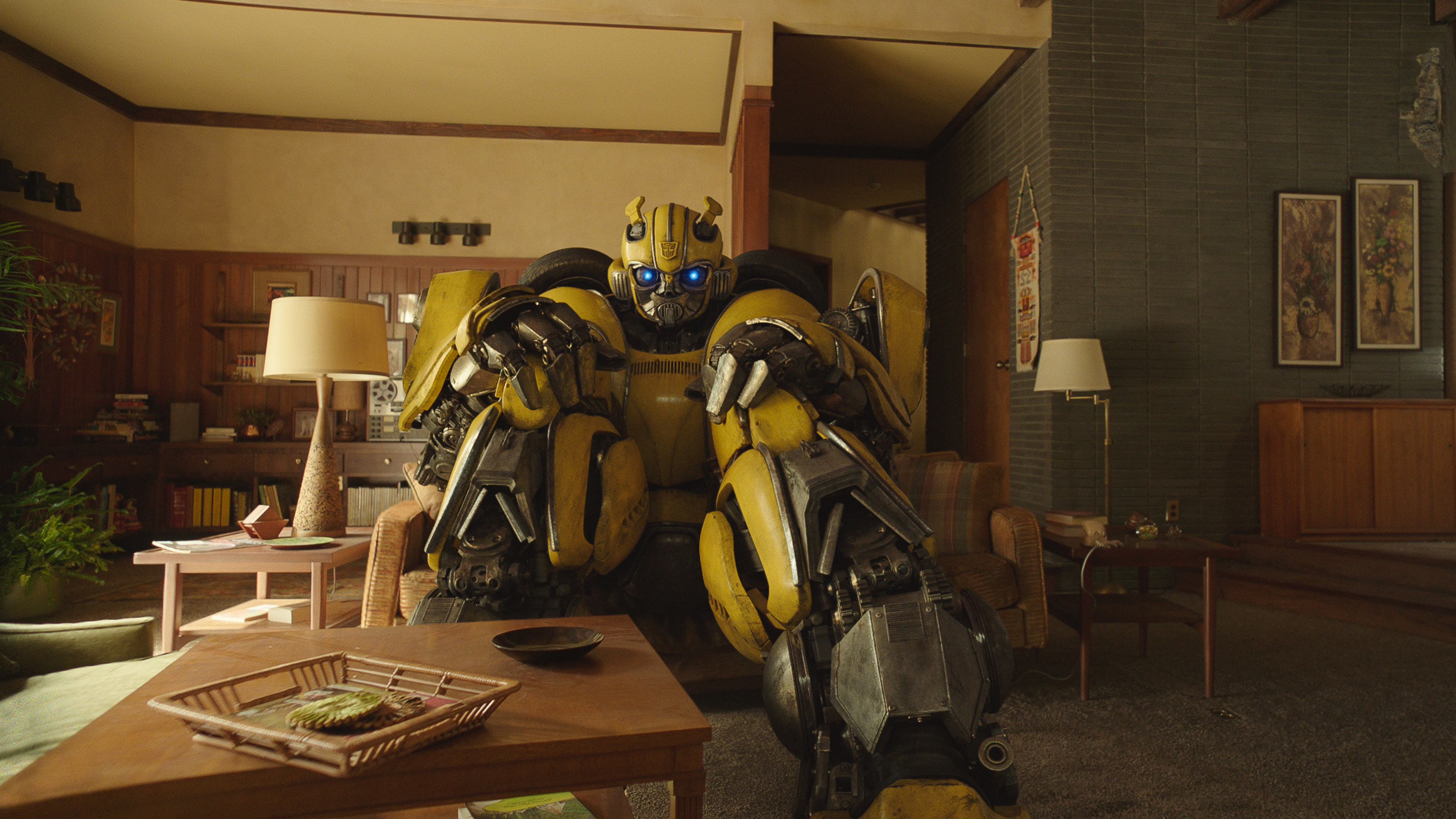 Review: 'Bumblebee' – A (Great) Transformers Story | We Live